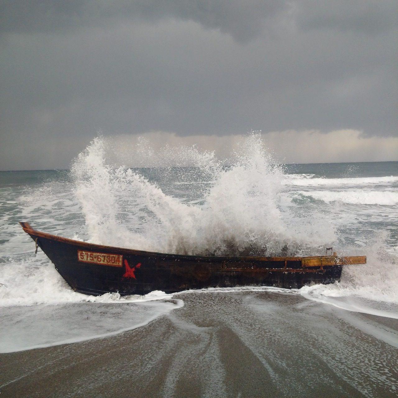 能登半島には木造船漂着が多々ある